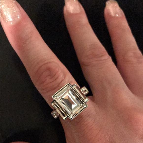 Emerald cut ring 💎💍✨. M 5acabb3c46aa7c4e3f600446 276c9d94ff